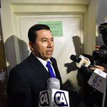 El diputado Armando Escribá se puso a dispoción de la justicia este lunes, luego de que el viernes anterior se girara una orden de captura en su contra. (Foto: Canal Antigua)