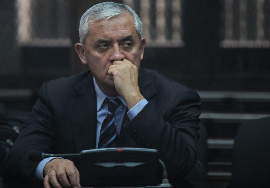 El expresidente Otto Pérez Molina busca una medida sustitutiva que le permita salir de prisión. (Foto: Nomada)