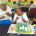 Los cascarones y la pica pica servirán para que los abuelitos recauden fondos para sus celebraciones de fechas importantes. (Foto: Años Dorados Cobán)