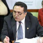 El ahora exviceministro de Salud supuestamente renunció al cargo, sin embargo en el Gobierno aseguran que se trató de un despido. (Foto: La Hora)