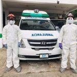 Los Bomberos Municipales Departamentales de Colomba, Quetzaltenango, muestran sus trajes especiales para atender casos de Coronavirus. (Foto: Carlos Ventura)