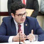 El diputado Samuel Pérez presentó la iniciativa de ley de seguro temporal de desempleo por COVID-19. (Foto: Twitter)