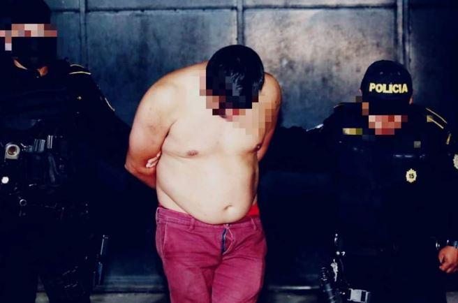 Un hombre fue detenido por disparar contra agentes de la PNC en Villa Nueva. (Foto: PNC)