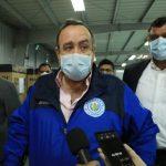 El presidente Alejandro Giammattei habló del nuevo caso de COVID-19 en el Parque de la Insdustria, donde fue inaugurado el primer hospital temporal. (Foto: Secretaría de Comunicación Social de la Presidencia)
