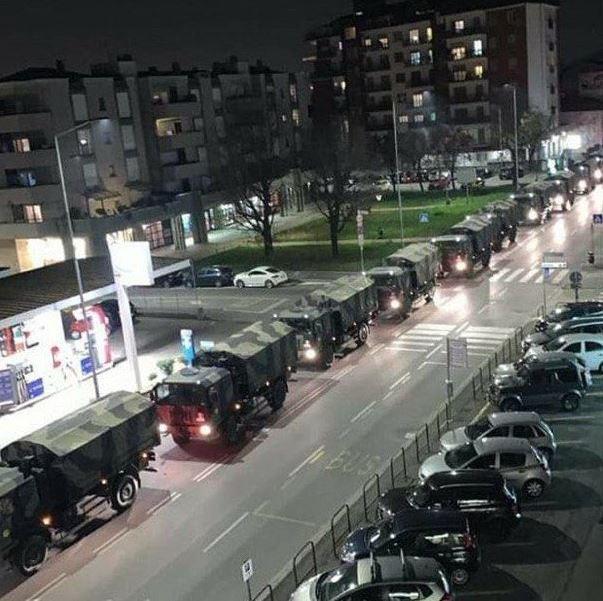 El video muestra el momento en que un convoy del ejército italiano traslada los ataúdes de las víctimas de Coronavirus. (Foto: Twitter)