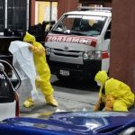 La mujer falleció dentro un taxi. Entre sus pertenecias llevaba una constancia de que había ido al IGSS. Le recetaron paracetamol, sueros y antihistamínico. (Foto: Twitter)