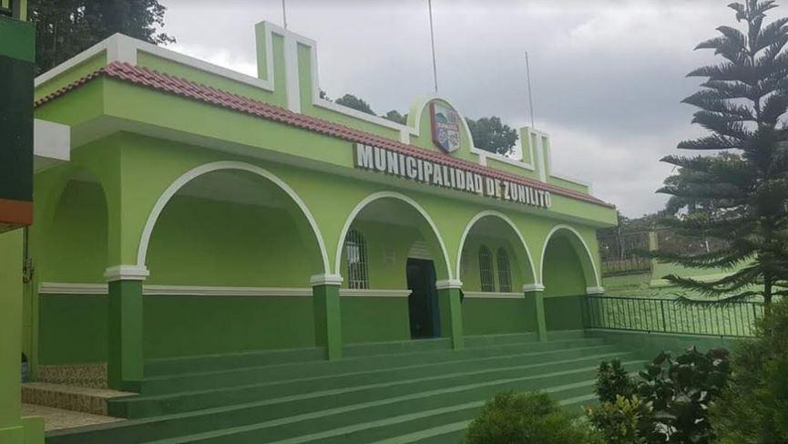 El concejo del municipio de Zunilito, informó en conferencia de prensa que se cancelaba toda actividad social cultural, religiosa y política. (Foto: Cristian Soto)