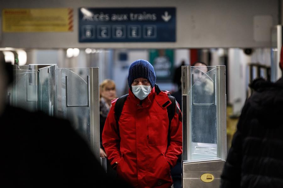 Francia alcanzó la cifra de los 24 mil 376 muertos a causa de la pandemia del COVID-19. (Foto: EFE)