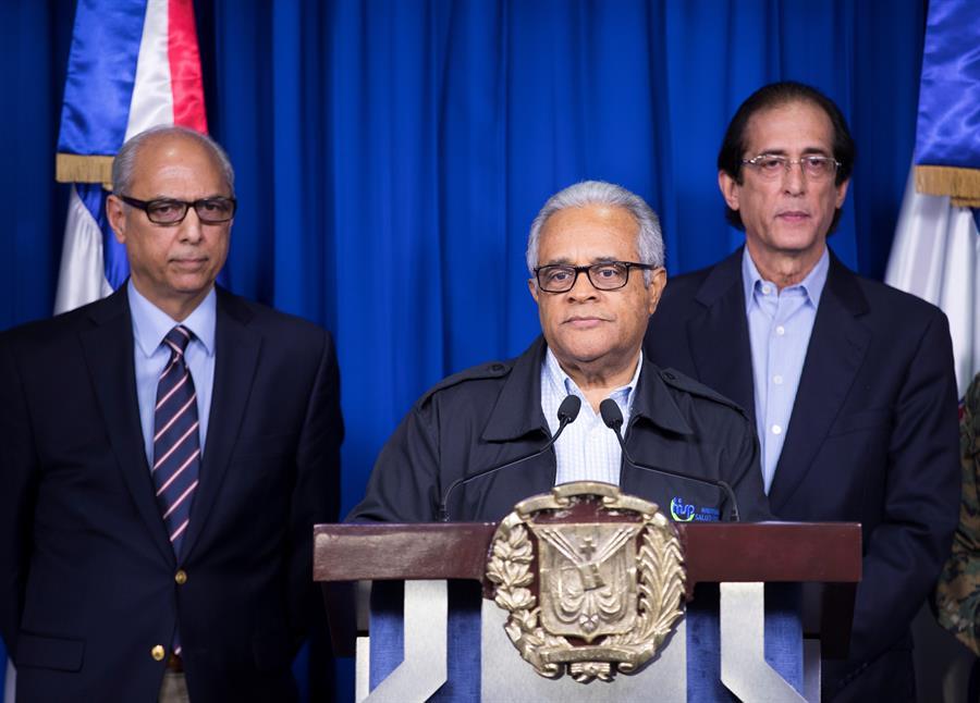 El Ministro de Salud anunció la cantidad de fallecidos por beber el licor artesanal, denominado Cleren. (Foto: EFE)