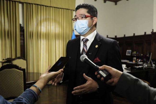 El Secretario de la Presidencia, Carlos Sandoval, confirmó que dos personas salieron del Parque de la Industria sin autorización. (Foto: SCSP)