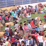 Los comerciantes fueron trasladados al interior del Estadio Carlos Salazar Hijo de Mazatenango. (Foto: Cristian Soto)