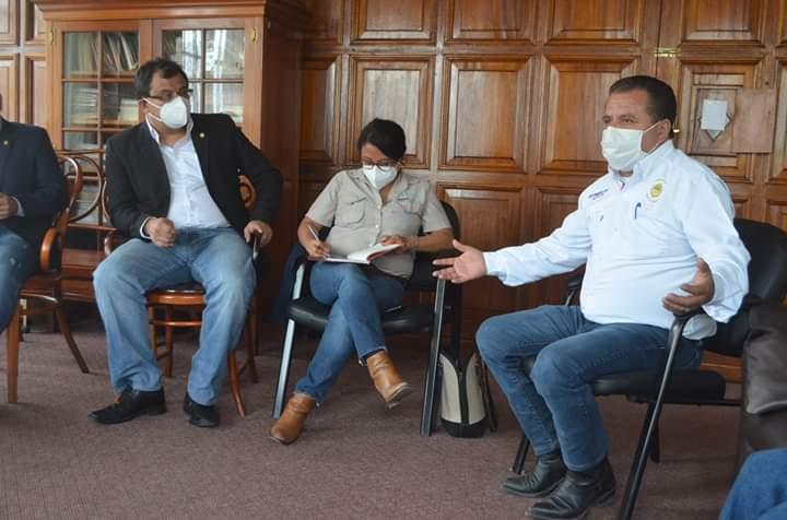 El alcalde de Quetzaltenango hizo la petición a los diputados de la Comisión del Migrante del Congreso de la República. (Foto: Carlos Ventura)
