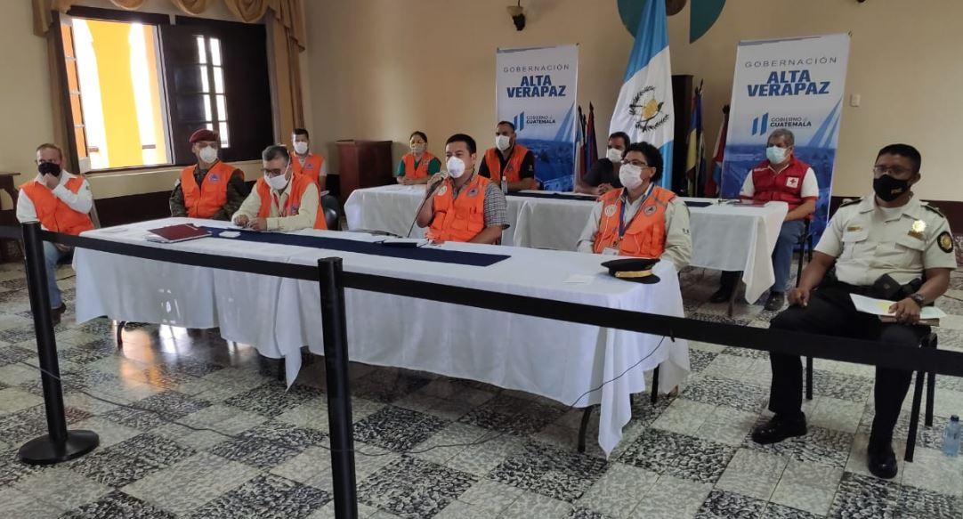 Las autoridades de Alta Verapaz dieron a conocer el primer caso de COVID-19 en el departamento, en una conferencia de prensa. (Foto: Eduardo Sam)