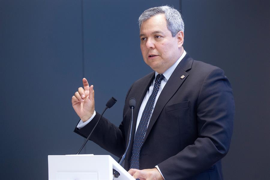 Dante Mossi, presidente del Banco Centroamericano de Integración Económica, dijo que se hará una importante donación de kits a los países de Centroamérica para detectar el COVID-19. (Foto: EFE)
