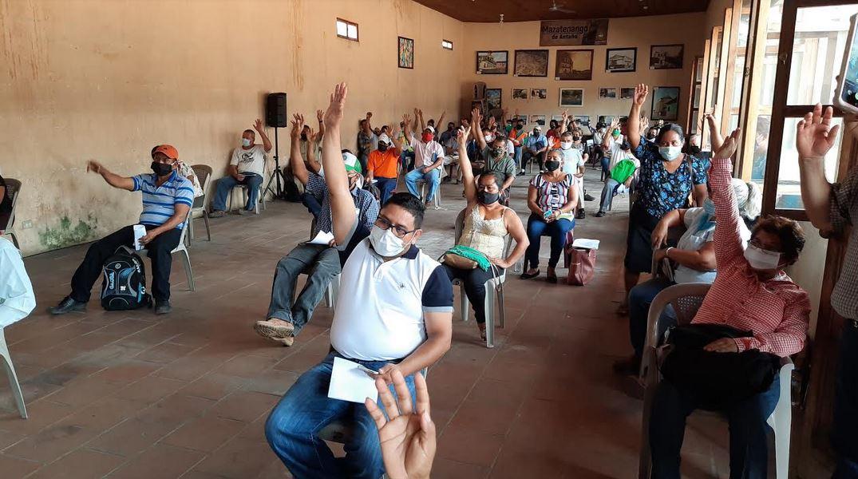 Los presidentes de los Cocodes rechazaron la propuesta de instalara a los deportados en el Salón Jardin Mazateco. (Foto: Cristian Soto)