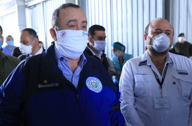 El presidente Alejandro Giammattei recibió este lunes una importante donación de la iniciativa privada. (Foto: SCSP)