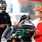 El horario de las gasolineras quedó establecido mediante el acuerdo 117-220 que faculta a las estaciones de servicio a funcionar de 4:00 a 17:00 horas. (Foto: AGN)