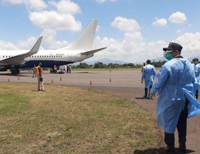 México deportó a 130 hondureños hasta Tegucigalpa, lugar donde serán puestos en cuarentena. (Foto: La Proceso HN)
