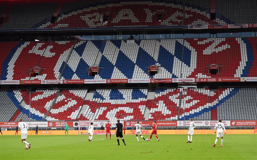 El Bayern Munich goleó 5-2 al Eintracht en e Allianz Arena, en una nueva jornada a puerta cerrada por la pandemia del COVID-19. (Foto: EFE)