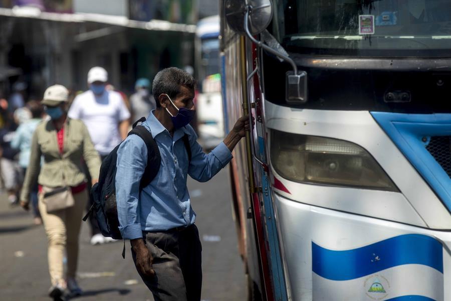 Un estudio revela que Nicaragua suma más de 800 muertos por COVID-19 y no los 35 que afirma su gobierno. (Foto: EFE)