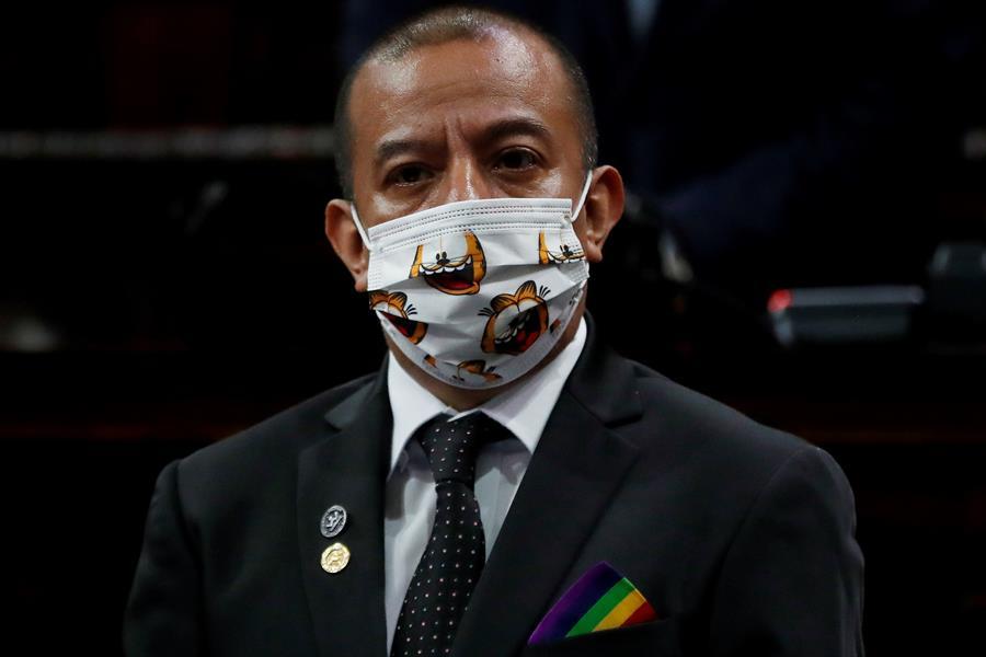 El diputado Aldo Dávila investiga al panameño Poll Anria y Kif Nava, quienes podrían estar usurpando calidades, según el legislador. (Foto: EFE)