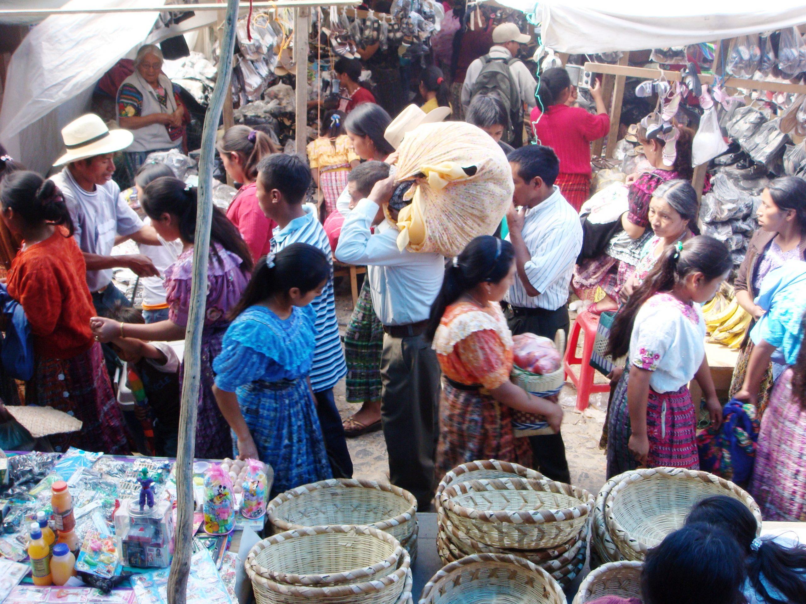 Las autoridades anunciaron la reapertura de un sector del mercado de San Francisco El Alto a partir de este lunes. (Foto: Archivo Carlos Ventura)