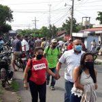 Las autoridades realizaron un operativo de verificación de personas, luego de la prohibición de que los habitantes de Santo Domingo no pueden ingresar a San Antonio. (Foto: Cristian Soto)