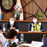 alejandro Giammattei durante su reunión con los alcaldes del departamento de Guatemala en el edificio de la municipalidad capitalina. (Foto: Gobierno de Guatemala)
