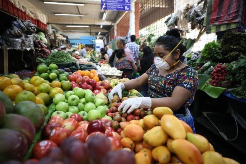 La FAO entregó una serie de recomendaciones para evitar contagios de COVID-19, en los centros de abastecimiento. (Foto: AGN)