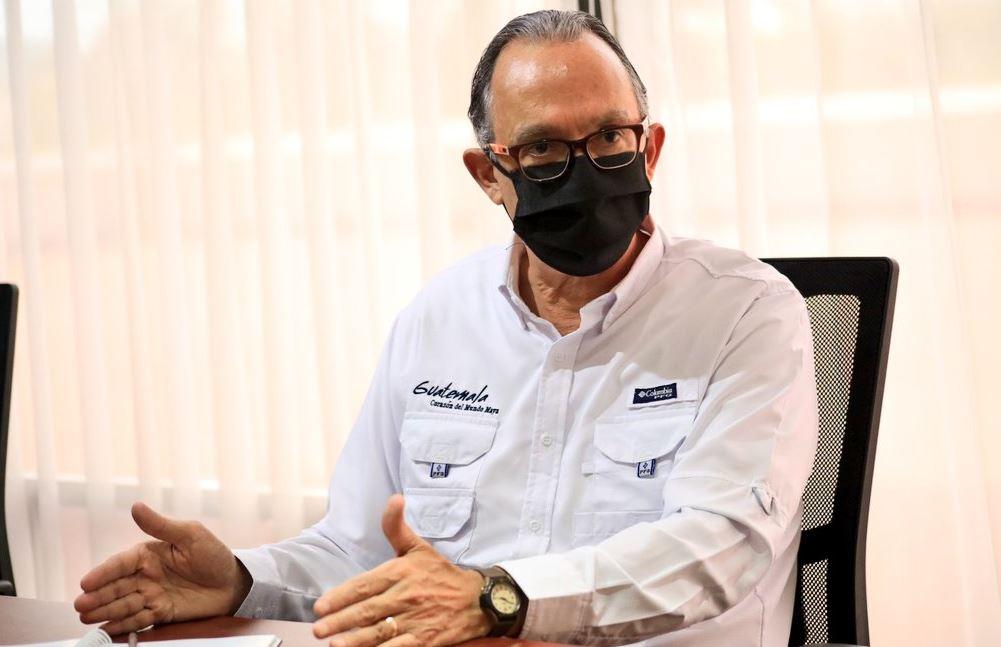 Mynor Cordón, director de INGUAT, habló sobre las guías de buenas prácticas sanitarias contra el COVID-19. (Foto: AGN)