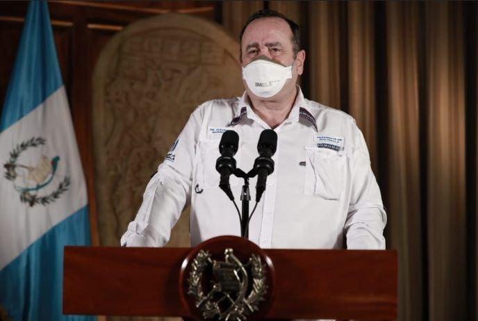 El presidente Alejandro Giammattei confirmó un nuevo fallecimiento por coronavirus, en el hospital de Villa Nueva. (Foto: AGN)