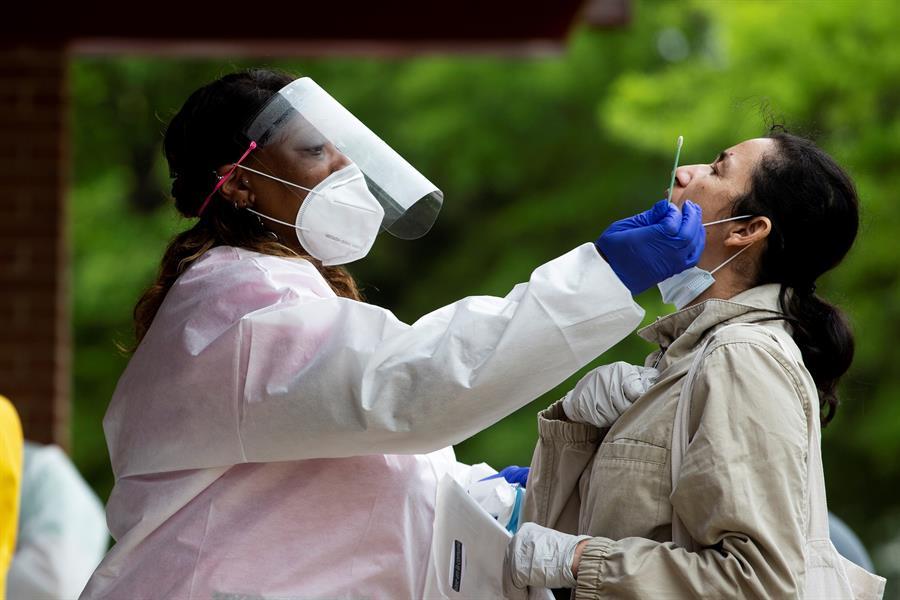 El estado de Florida suma un total de 63 mil 938 personas contagiadas y 2 mil 700 fallecidas desde el 1 de marzo por COVID-19. (Foto: EFE)