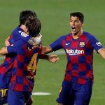 Los jugadores del Barcelona celebran el gol de Iván rakitic -4-, que sirvió para derrotar 1-0 al Athletic de Bilbao, en el Camp Nou, en un partido a puerta cerrada por la pandemia del COVID-19. (Foto: EFE)