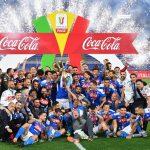 El Nápoli celebró el título de Copa luego de superar en tanda de penaltis a la Juventus de Turín, en el Estadio Olímpico de Roma. (Foto: EFE)