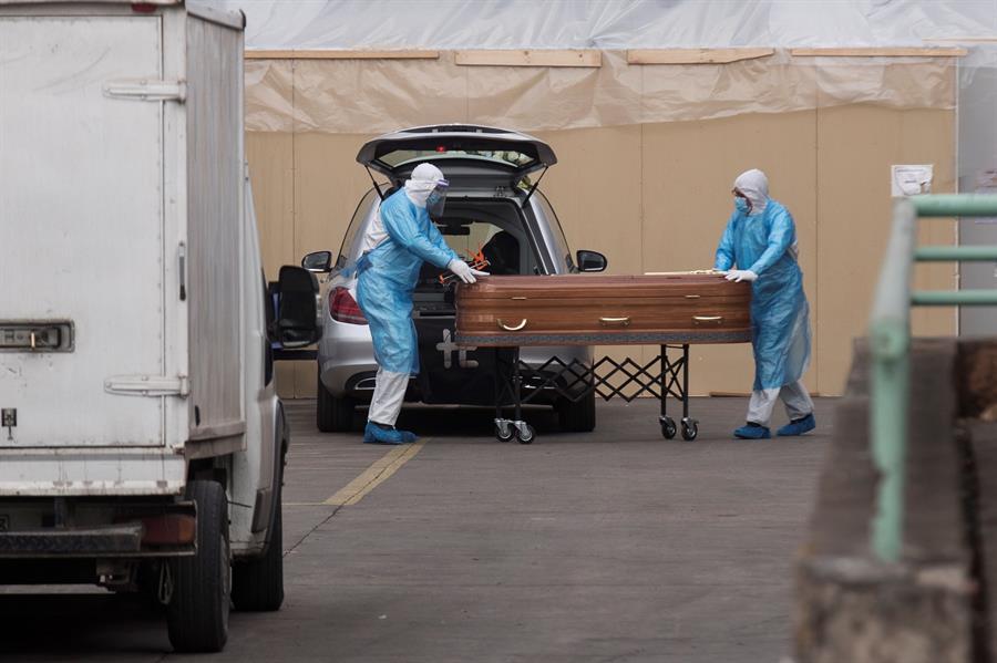 Los fallecidos por COVID-19 en el mundo superan los 460 mil, según los daros oficiales de la Organización Mundial de la Salud -OMS-. (Foto: EFE)