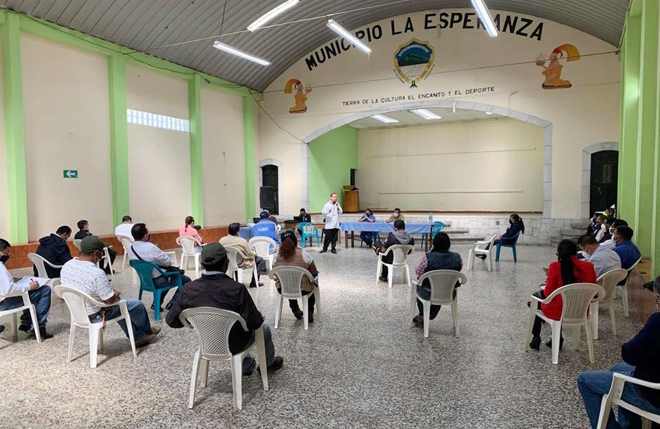 Las autoridades decidieron cerrar los accesos al municipio debido a un brote de COVID-19. (Foto: Carlos Ventura)
