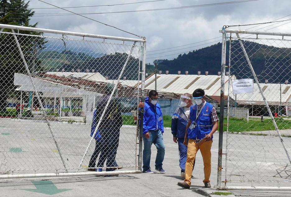 La comitiva de la PDH realizó una inspección al Hospital Temporal para pacientes con COVID-19 en Quetzaltenango. (Foto: Carlos Ventura)