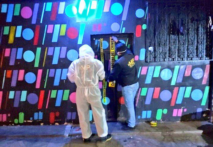 Un operativo realizado en un club nocturno en el municipio de San Mateo, Quetzaltenango, dejó como saldo la captura de dos personas; además del rescate de una menor que puede ser víctima de explotación sexual.
