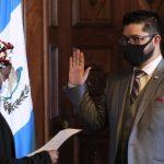 Carlos Sandoval al momento de ser juramentado en el Ministerio de Cultura y Deportes como nuevo Viceministro del Deporte y la Recreación. (Foto: SCSP)