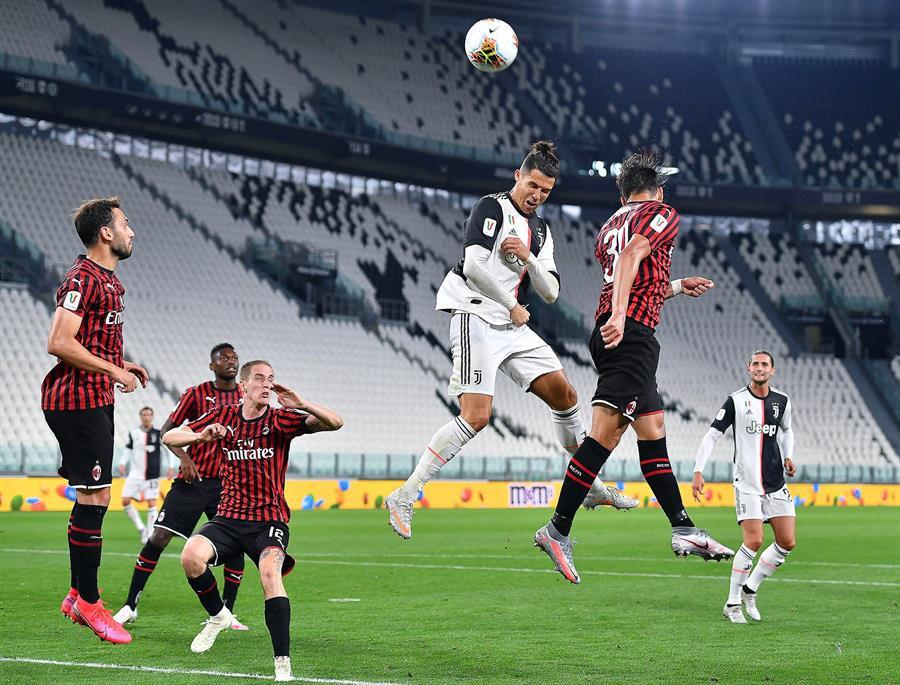La Juventus de Turín clasificó a la final de la Copa de Italia luego de empatar 0-0 contra el AC Milán. (Foto: EFE)