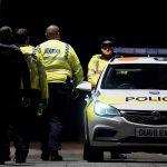 La policía custodia el parque de Reading donde un hombre atacó a puñaladas a varias personas, durante una marcha anti racismo. (Foto: EFE)