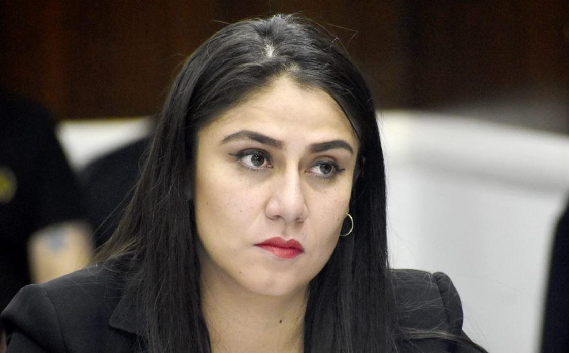 La diputada Samantha Figueroa de la UNE dijo que puede existir un complot en el Congreso para que no se lleve a cabo la elección de las cortes. (Foto: Twitter)