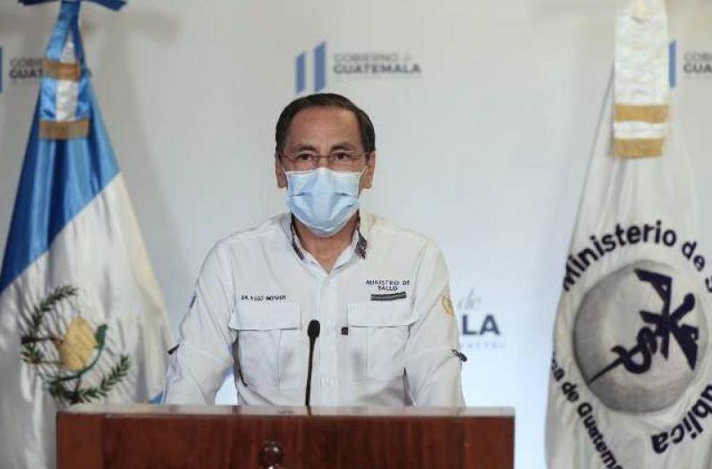El ministro de Salud, Hugo Monroy, habla durante el mensaje de actualización de casos de COVID-19 en el país, de este martes 2 de junio. (Foto: SCSP)
