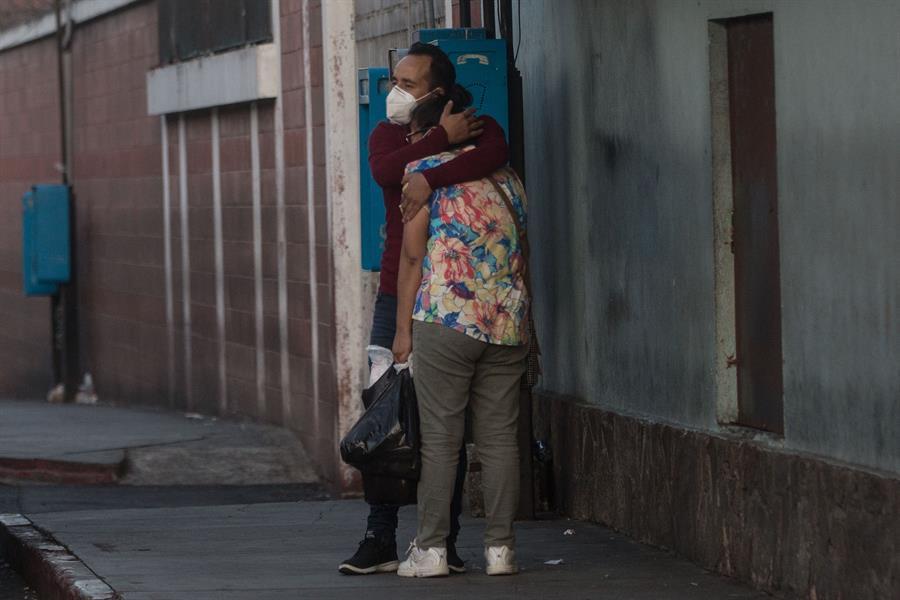 Este jueves significó el día de mayor número de contagios de COVID-19 en Guatemala, con 1 mil 247 nuevos casos. (Foto: EFE)