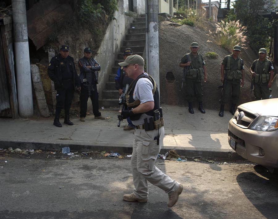 Según los últimos registros, Guatemala presenta una baja en la cantidad de homicidios en relación a las cifras del año pasado a estas alturas del año. (Foto: EFE)
