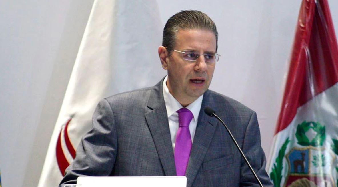 El ex embajador de Hungría en Perú fue condenado a prisión por el delito de pornografía infantil. En sus computadoras los investigadores encontraron 19 mil fotografías pornográficas de menores de edad. (Foto: LaRepublica.pe )