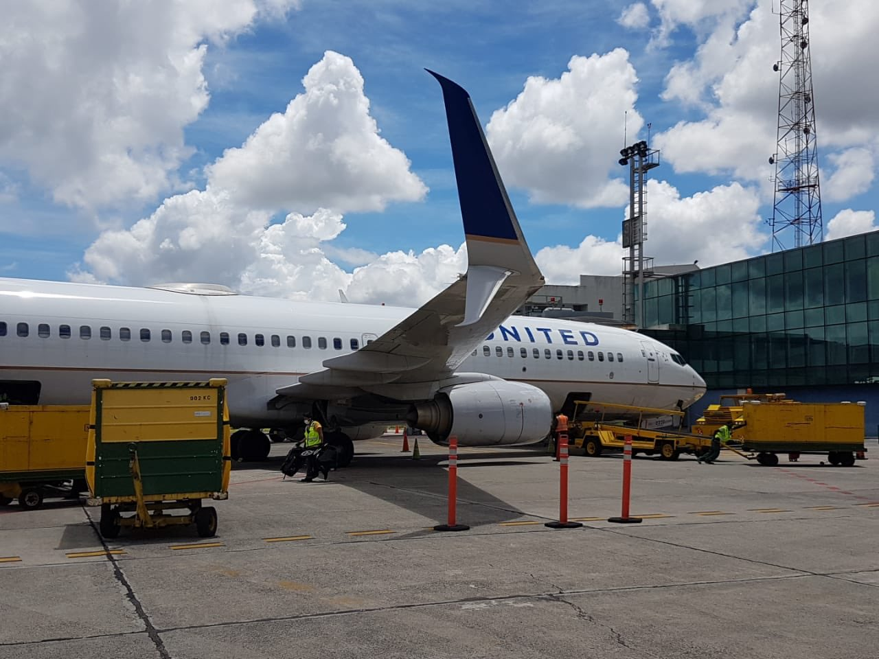 Las autoridades anunciaron que el Aeropuerto La Aurora comenzará a recibir vuelos a partir del 18 de septiembre. (Foto: Dirección General de Aeronáutica Civil)