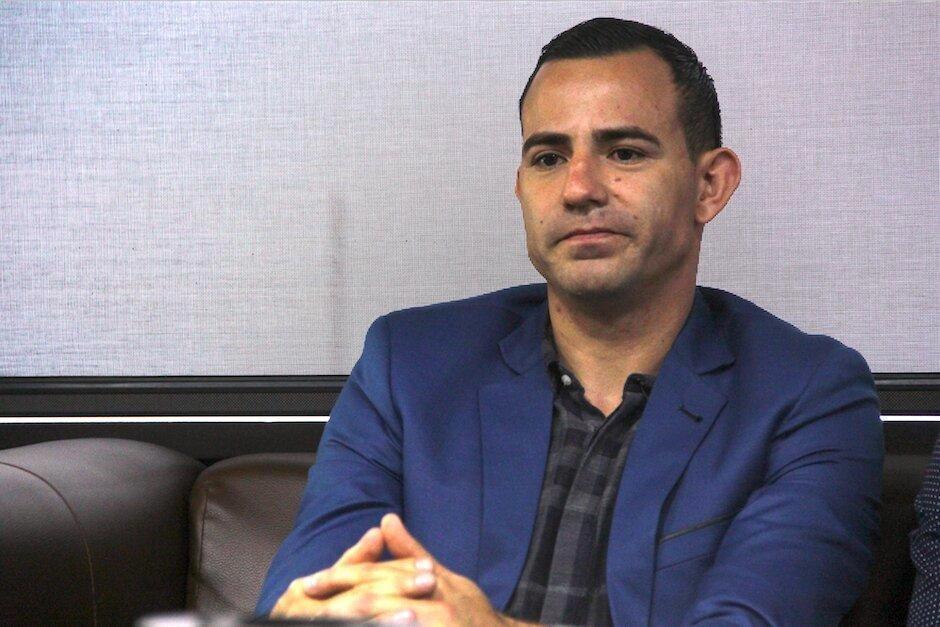 El futbolista Marco Pappa pasó ayer su primera noche en prisión en Mariscal Zavala, luego de ser ligado a proceso por el delito de violencia contra la mujer. (Foto: Soy 502)