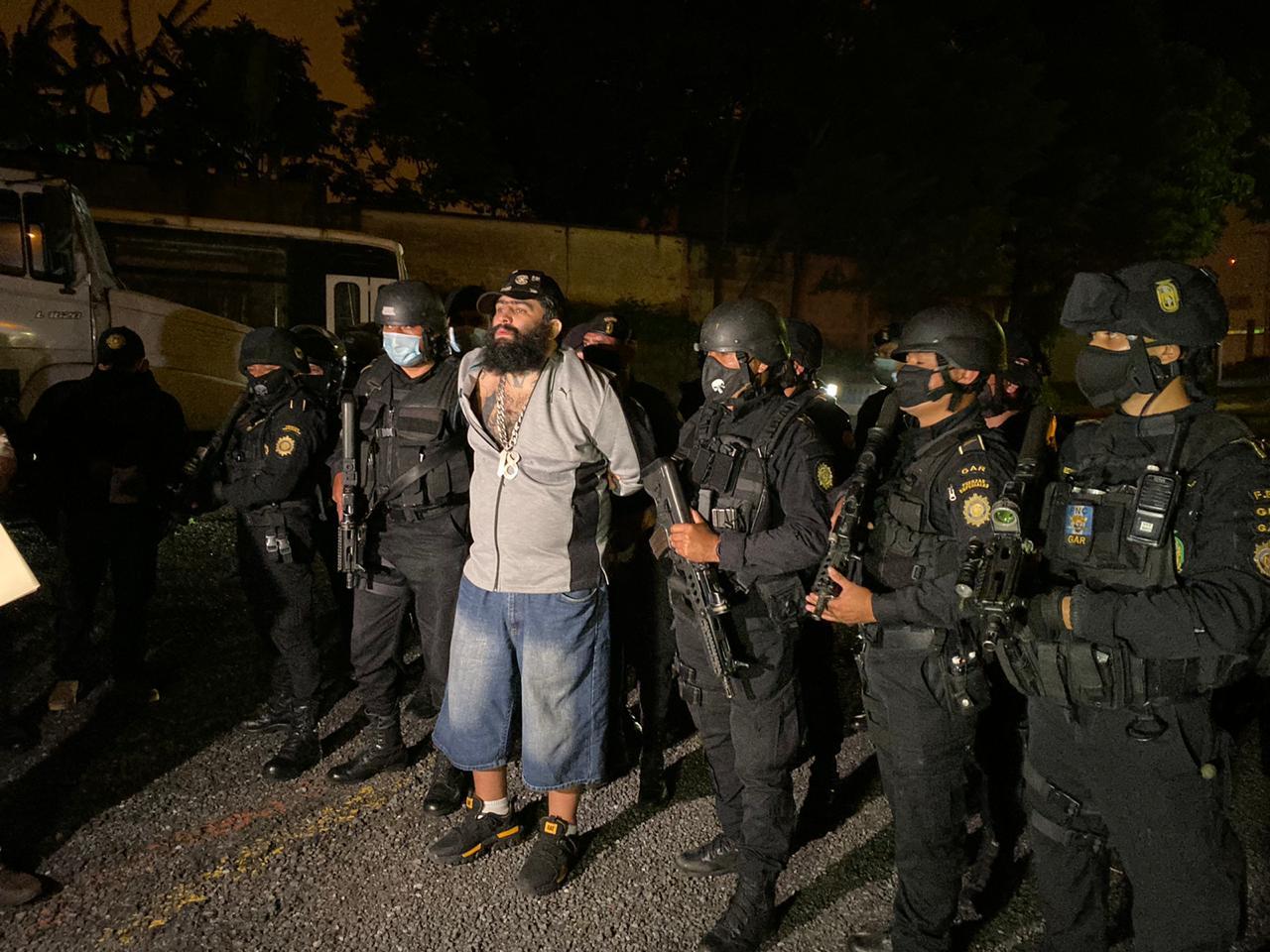 """Aldo Duppie Ochoa alias """"El Lobo"""" fue trasladado anoche a la prisión de Matamoros, custodiado con altas medidas de seguridad. (Foto: Cortesía)"""