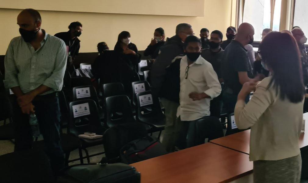 Las 11 personas que fueron ligadas a proceso por el caso La Línea conocerán este viernes si deben permanecer o no en prisión preventiva. (Foto: Twitter Sergio Osegueda))